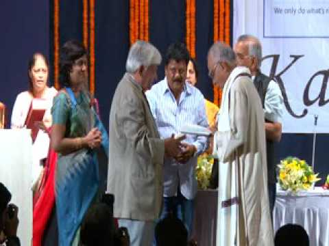 Pune artists receiving awards- 2