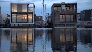 J'habite une maison flottante  - Tout Compte Fait