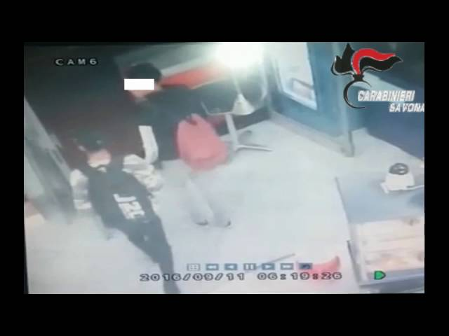 Albisola. Spacciavano banconote da 20 euro false. Arrestati tre ragazzi.: video #1