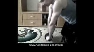 Как делать упражнения с колесом (роликом на валу)(http://akademiya-endorfin.ru Александр Цыбулевский - Как делать упражнения с колесом (роликом на валу), 2012-05-28T17:03:12.000Z)