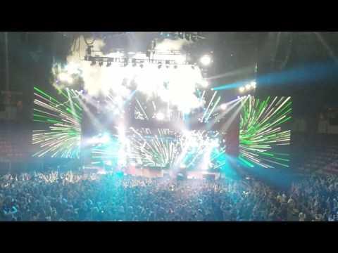 Twenty One Pilots - Trees * Emotional Roadshow Tour 2017 * North Charleston SC