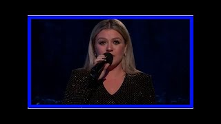 Breaking News | Kelly Clarkson Calls for Moment of Action & Change at Billboard Music Awards 2018 (
