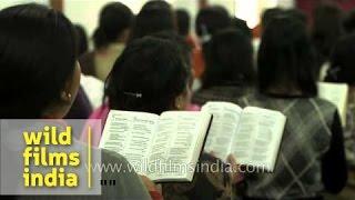 Rongmei church congregation sings 'Kajauzian hei akhang biu the' - Kohima