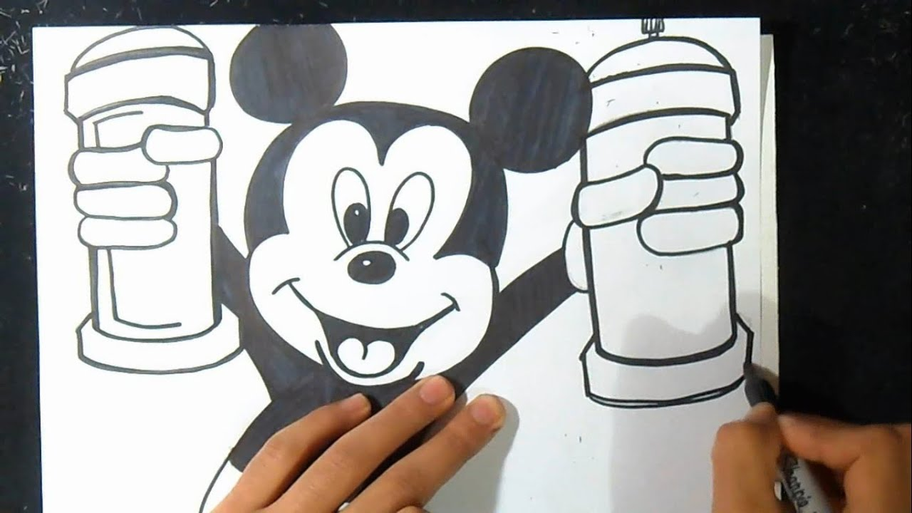 Cmo dibujar a Mickey Mouse con spray Graffiti  YouTube