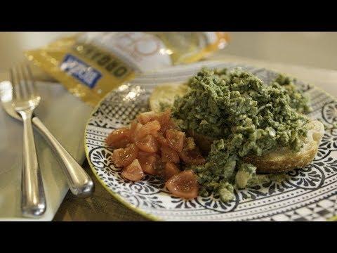 Nutritious to Delicious: Spirulina Pesto Scrambled Eggs with Chia