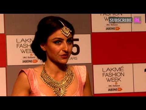 Soha Ali Khan | Radhika Apte | Lakme Fashion Week Press Conference 2015