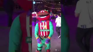 FORTNITE @ e3! - TOMATO HEAD AND RAPTOR BEST MATES DANCE IN REAL LIFE!