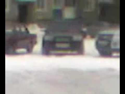 Приставы при исполнении ездят на чужом Subaru