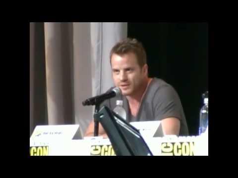 Ryan Kwanten and Robert Kazinsky talk shaving each other at Comic Con