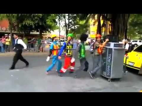 Há hốc mồm với điệu nhảy đường phố siêu hài hước