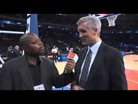 NBA Announcer Mike Breen talks about the passing of Stuart Scott.