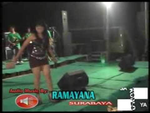 Gerojokan Banyuwangi (Ita Safira) - Denata Rock Dangdut Live Rembang 2012