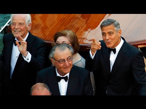 George Clooney Leads A Star Studded Parade Of Boats To Venice Wedding Youtube