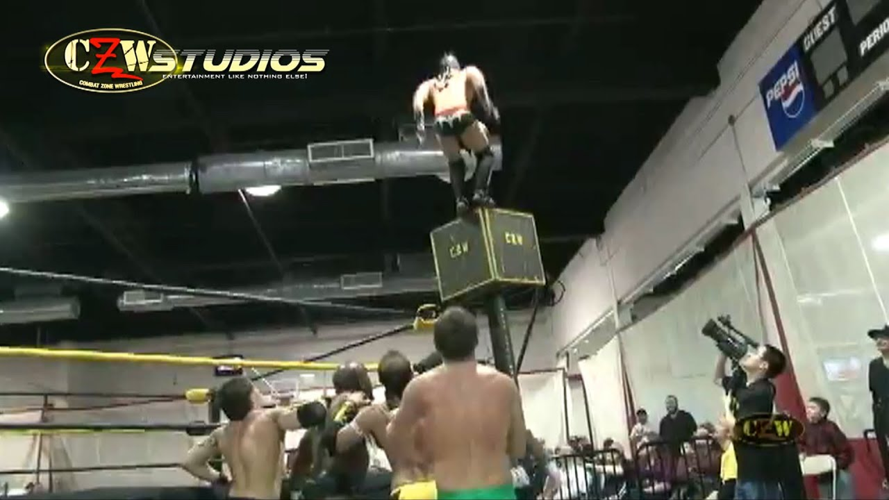 CZW: Samuray Del Sol's insane moonsault at Aerial Assault! (CZWstudios.com)