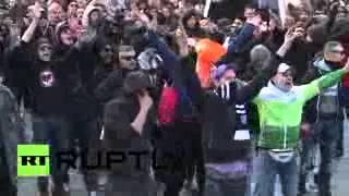 Deutschlands Hooligans Kämpfen bei Kölner Anti Islam-Demo