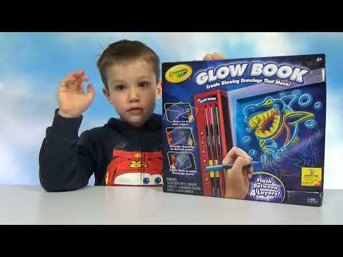 Макс рисует мультики Крайола Глоу Бук набор  для творчества Crayola Glow Book unboxing toy