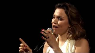"Samantha Barks and Bryan Adams Perform ""I Can't Go Back"""