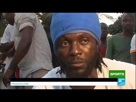 "Emmanuel ""Sheyi"" Adebayor : ""Je ne suis pas à la retraite"" - CAN 2017"
