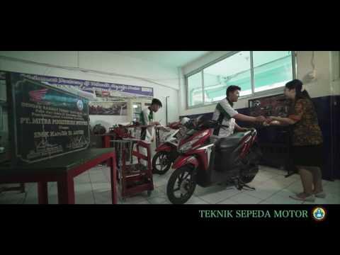 SMK St Louis Surabaya - School Profile 2017