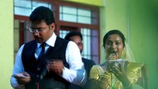 vuclip BRIDE & GROOM SINGING | KERALA WEDDING FUNCTION | Malayalam Song | Poonkattinodum | Singing Couple