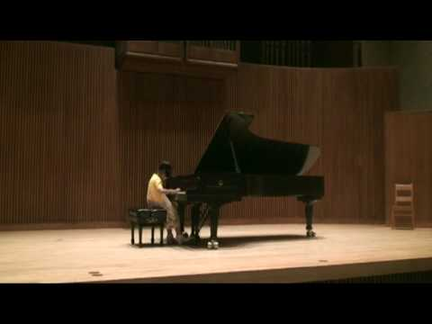 CMC 2009 2nd round. Rachel Ding plays Beethoven Sonatina in F major 1mvt and 2mvt