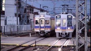 南海高野線 金剛駅の朝ラッシュ時間帯の電車発着集