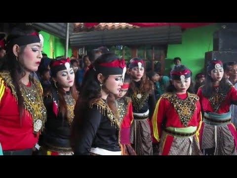 Janturan II Jam 03 41 Penonton dan Ebeg Panca Krida Budaya Mendem di Karang Jonte Ciarus