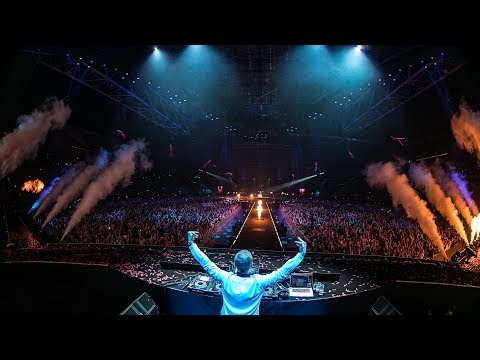 Armin van Buuren - Overture (Live at The Best Of Armin Only)
