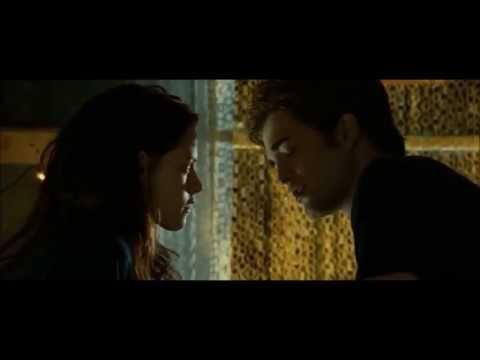 Primo bacio tra Edward e Bella - Twilight (first kiss)