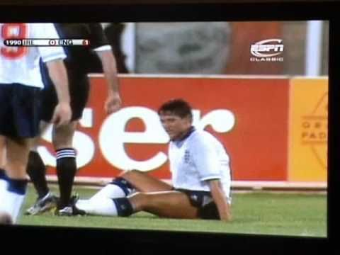 Gary Lineker poos himself at World Cup 1990
