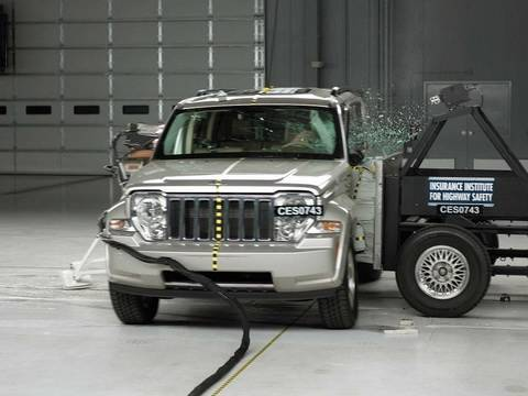 2008 Jeep Liberty side test