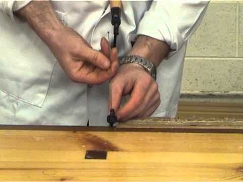 Changing the blade in the coping saw youtube changing the blade in the coping saw greentooth Gallery