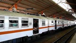 【ジャカルタ・屋根上乗車有り】KL3-76系/KL3-78系RHEOSTATIK マンガベサール駅
