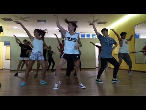 STREET DANCE - Emotions - Daniela Carril Videos De Viajes