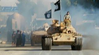 دبابات وصواريخ ضمن عرض لغنائم تنظيم الدولة الإسلامية