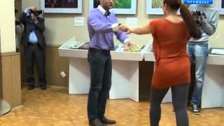 Иван Штыль танцует в библиотеке им. Горького
