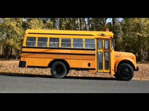 Couple Turn a School Bus into a Tiny House in 10 Days YouTube