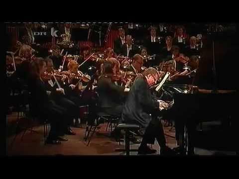 Frédéric Chopin piano concerto no. 2 - Hüseyin Sermet part 1
