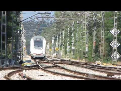 Renfe Spain Spanish Portbou-Barcelona Zug Eisenbahn Rail Spanien Media Distancia S252 locomotora