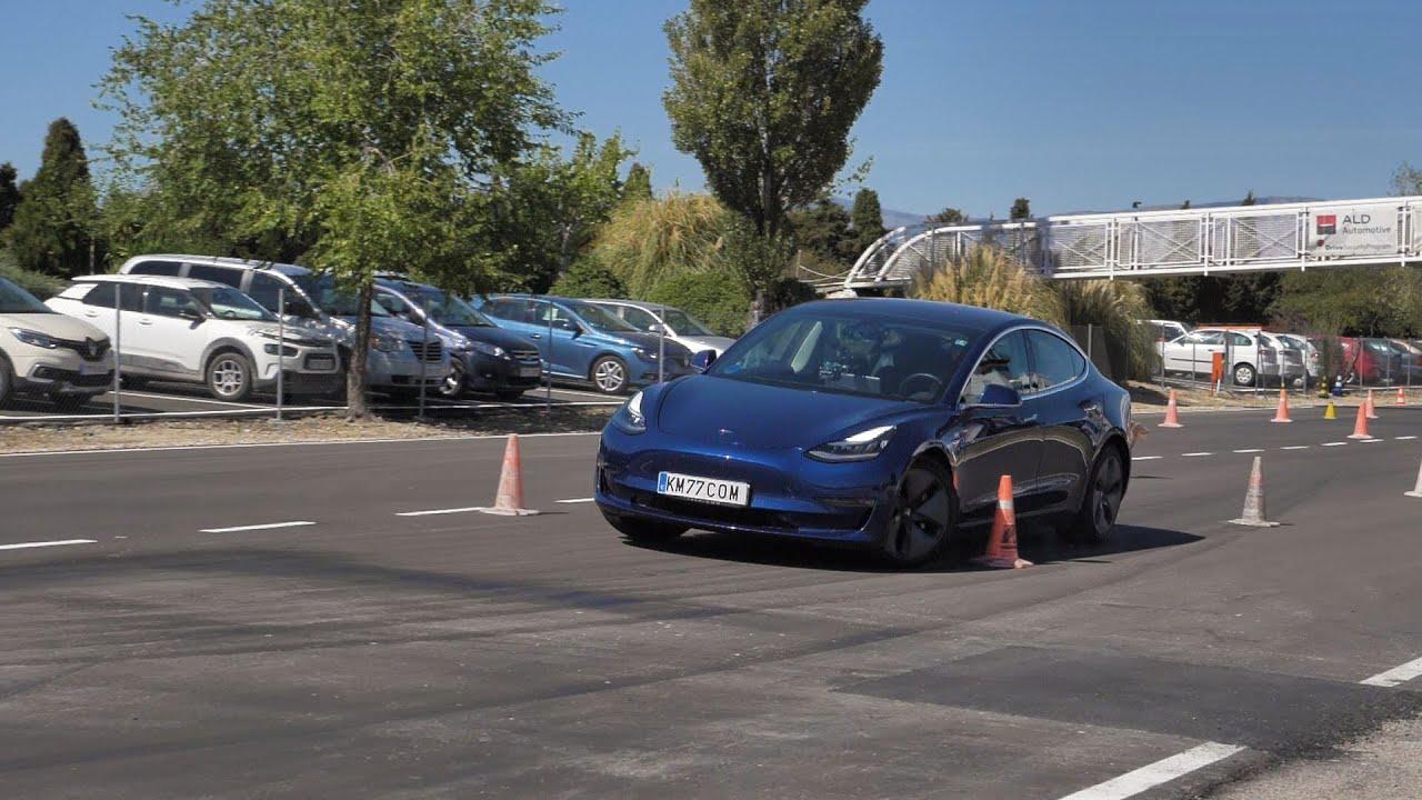 digestión precedente síndrome  Tesla Model 3. Asfalto nuevo. Maniobra de esquiva | km77.com - YouTube