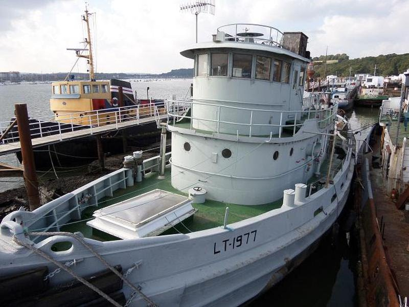 For Sale: Converted US Army Tug - GBP 222,250