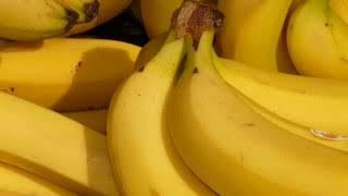 सपने में केला देखना ।sapne me kela dekhana ।sapne me banana dekhna