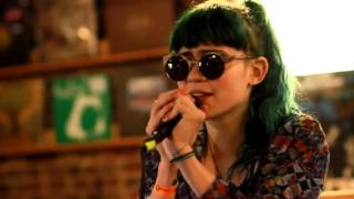 Repeat youtube video Grimes - Oblivion (Live at Grimey's) @WaspPuncher