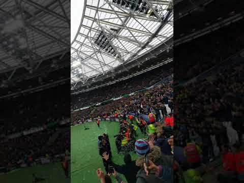 Full time West Ham 1 Chelsea 0 bubbles and twist and shout