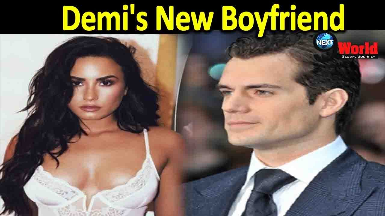 Demi Lovato shared a passionate Kiss with her boyfriend Henry Levy on Dinner Date
