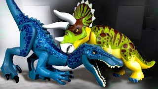 LEGO Dinosaurs | Baryonyx vs Triceratops | Jurassic World