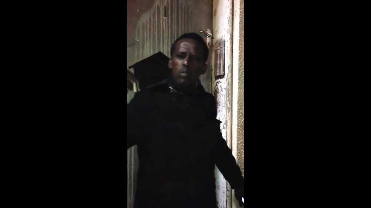 Homeless Somali guy rapping in Somali...