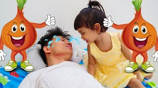 Story About Sad Dad | Nora Family Show