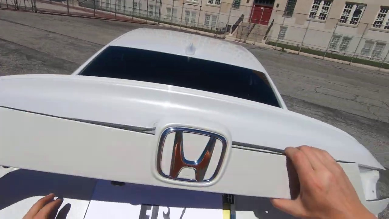 how to remove trunk tail light camera on 1823 honda