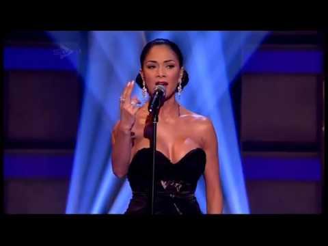 Nicole Scherzinger - Don't Cry For Me Argentina (Live)
